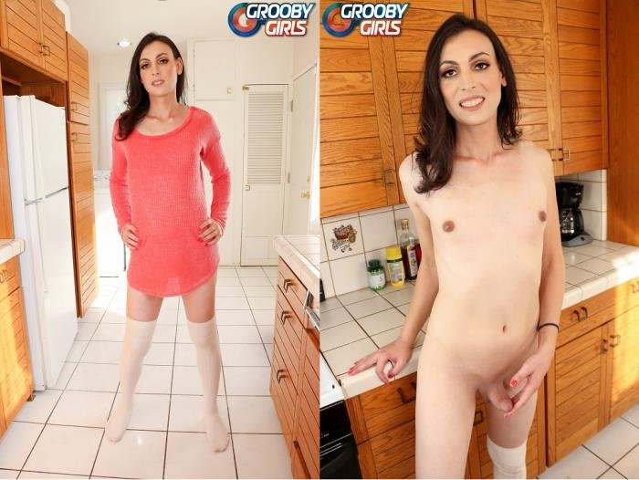 Lily Star - Lily Star Graduates (Transsexual) GroobyGirls.com [HD]